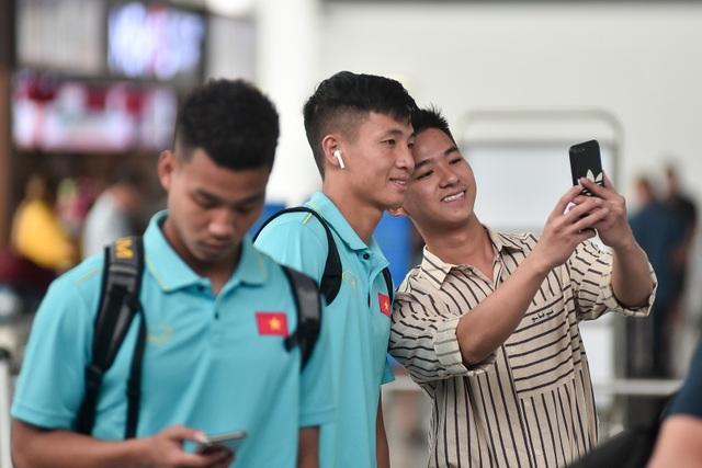 HLV Park Hang Seo cùng đội tuyển Việt Nam lên đường sang Thái Lan - 8