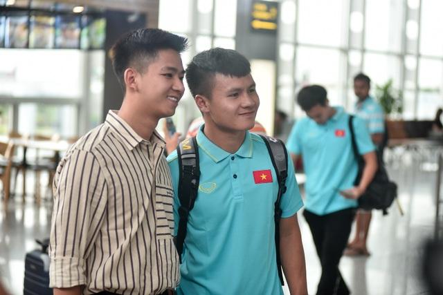 HLV Park Hang Seo cùng đội tuyển Việt Nam lên đường sang Thái Lan - 9