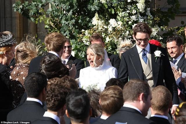 Đám cưới đẹp như mơ của ca sỹ Ellie Goulding - 2