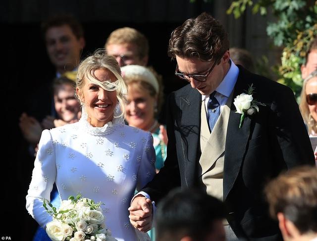 Đám cưới đẹp như mơ của ca sỹ Ellie Goulding - 5
