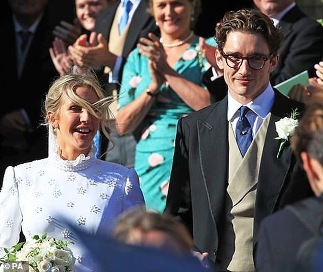 Đám cưới đẹp như mơ của ca sỹ Ellie Goulding - 7