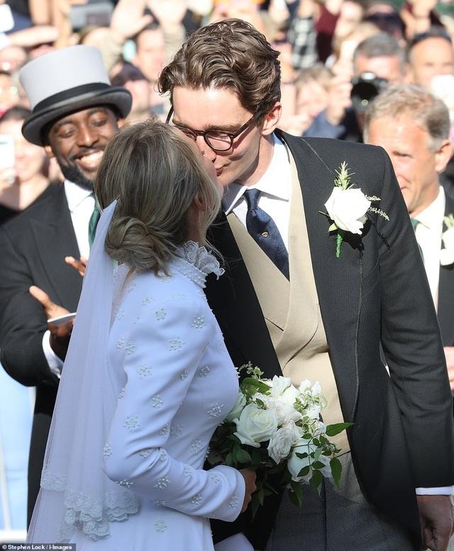 Đám cưới đẹp như mơ của ca sỹ Ellie Goulding - 14