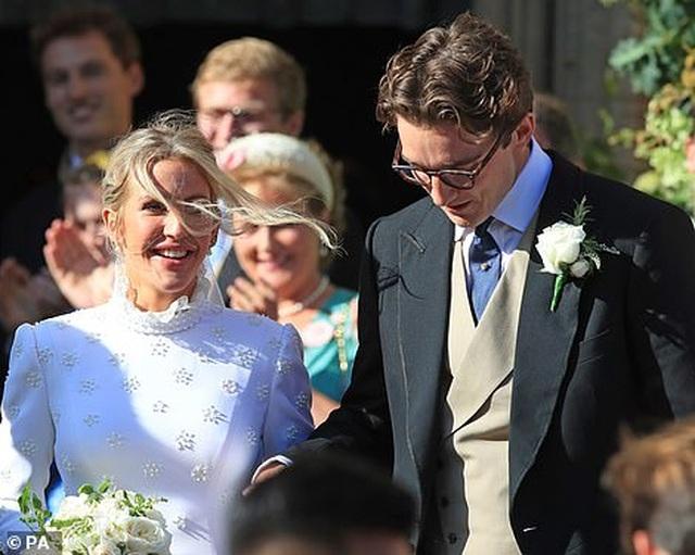 Đám cưới đẹp như mơ của ca sỹ Ellie Goulding - 15
