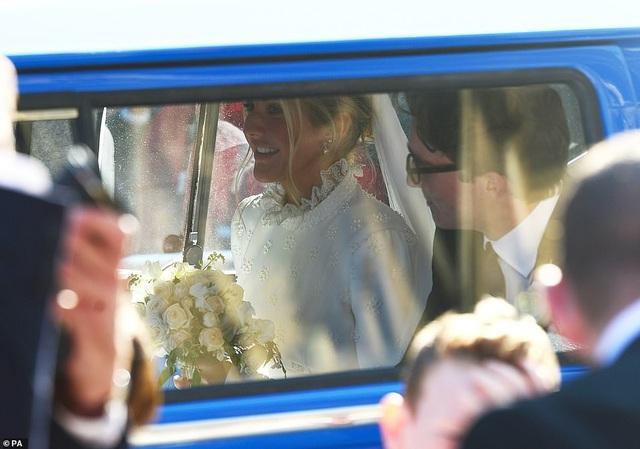 Đám cưới đẹp như mơ của ca sỹ Ellie Goulding - 19