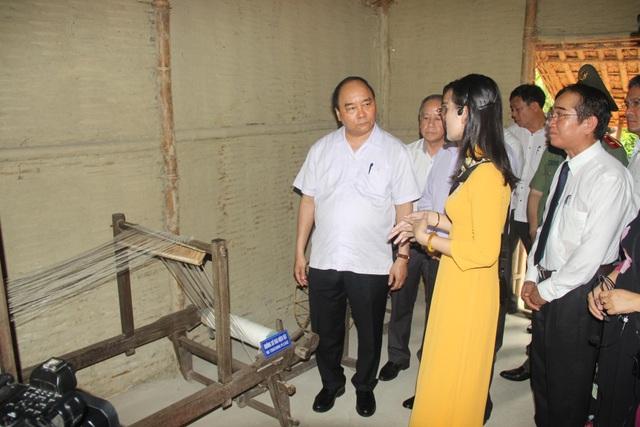 Thủ tướng thăm Nhà lưu niệm Chủ tịch Hồ Chí Minh tại Huế - Ảnh minh hoạ 5