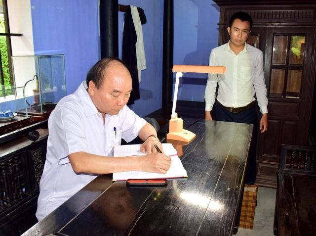 Thủ tướng thăm Nhà lưu niệm Chủ tịch Hồ Chí Minh tại Huế - Ảnh minh hoạ 6