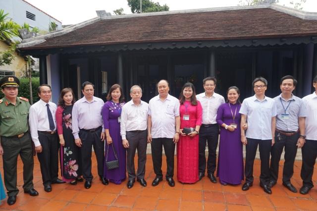 Thủ tướng thăm Nhà lưu niệm Chủ tịch Hồ Chí Minh tại Huế - Ảnh minh hoạ 7