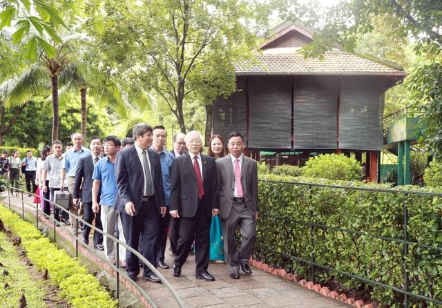 Tổng Bí thư, Chủ tịch nước dâng hương tưởng niệm Chủ tịch Hồ Chí Minh - 2