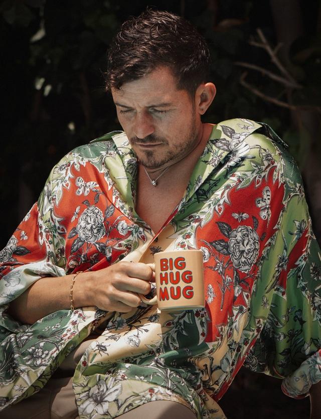 Orlando Bloom khoe vẻ đẹp nam tính và hạnh phúc an yên ở tuổi 40 - Ảnh minh hoạ 4