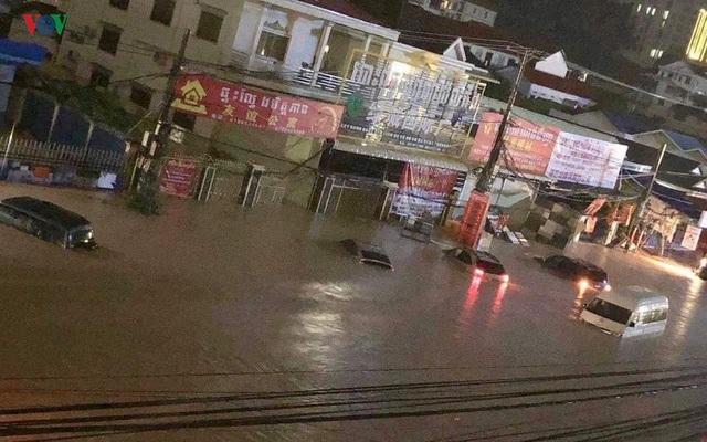"""Thành phố của Campuchia đang """"chết đuối"""" vì tiền của Trung Quốc? - 2"""