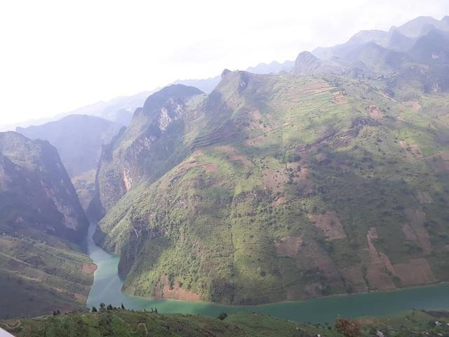 Sửng sốt trước vẻ đẹp của hẻm vực sâu nhất Đông Nam Á ở Hà Giang - 11