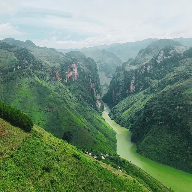 Sửng sốt trước vẻ đẹp của hẻm vực sâu nhất Đông Nam Á ở Hà Giang - 8