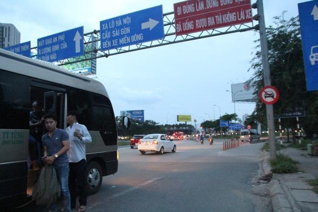 Đường trở lại TPHCM sau nghỉ lễ: Bến phà kẹt cứng, cao tốc thông thoáng - 16
