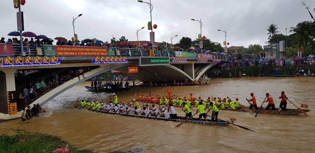 Quảng Bình: Rộn ràng lễ hội đua thuyền truyền thống ngày Tết Độc lập  - 2