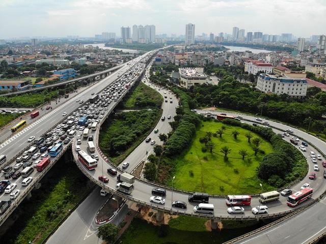 Cảnh đoàn xe ùn tắc hàng km ở cửa ngõ phía Nam Hà Nội - 4