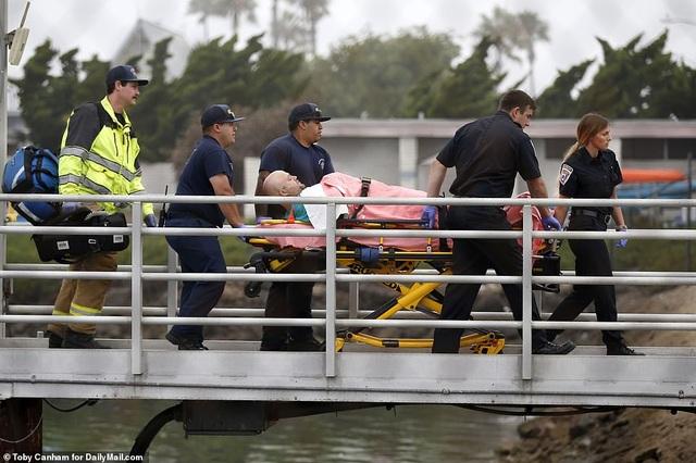 Hỏa hoạn kinh hoàng trên tàu lặn Mỹ: 25 người chết, 9 người vẫn mắc kẹt - 5