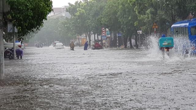 Nhiều trường sẽ hoãn khai giảng năm học mới vì mưa lũ - 2
