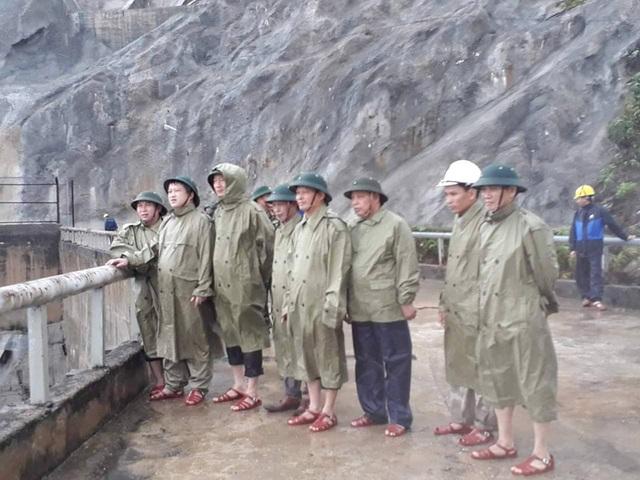 Thủy điện Hố Hô xả lũ khẩn cấp, nhiều vùng hạ du đang bị chia cắt - 14