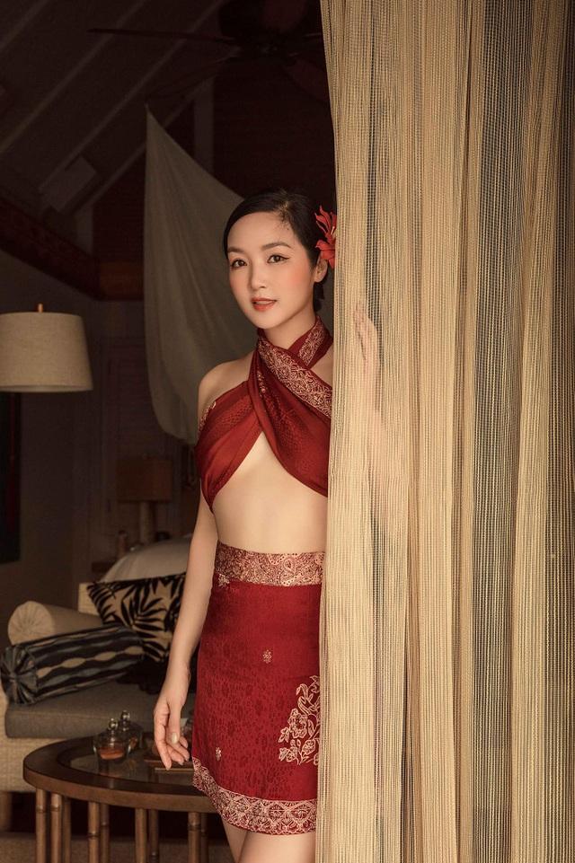 Hoa hậu Giáng My diện bikini khoe vóc dáng gợi cảm ở tuổi U50 - 7
