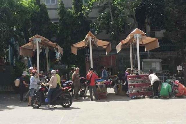 Chợ ở Sài Gòn, khách đến chỉ việc lấy đồ, không cần trả tiền - 2