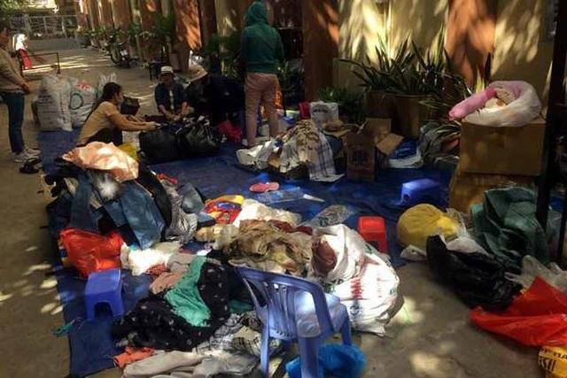 Chợ ở Sài Gòn, khách đến chỉ việc lấy đồ, không cần trả tiền - 3