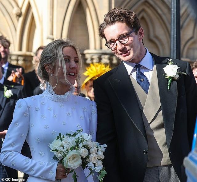 Ellie Goulding gọi chồng kém tuổi là tình yêu của đời mình - 1