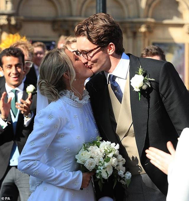 Ellie Goulding gọi chồng kém tuổi là tình yêu của đời mình - 4