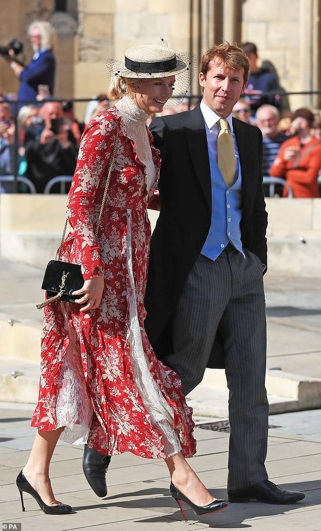 Ellie Goulding gọi chồng kém tuổi là tình yêu của đời mình - 8