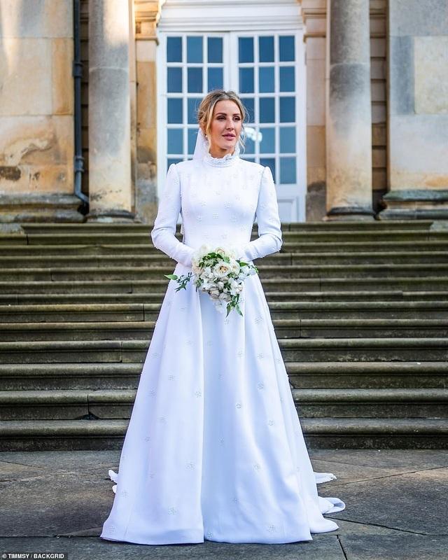 Ellie Goulding thay 4 chiếc váy trong ngày cưới - 5