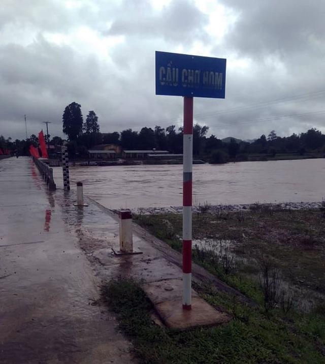 Thủy điện Hố Hô xả lũ khẩn cấp, nhiều vùng hạ du đang bị chia cắt - 9