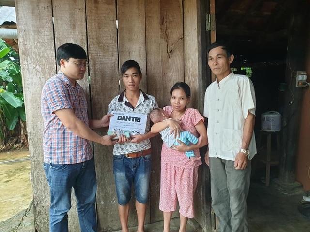 Bạn đọc giúp đỡ người mẹ lưng gù... gần 90 triệu đồng để nuôi con bạo bệnh - 3