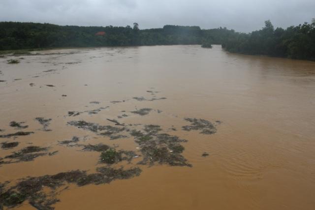 Thủy điện Hố Hô xả lũ khẩn cấp, nhiều vùng hạ du đang bị chia cắt - 2