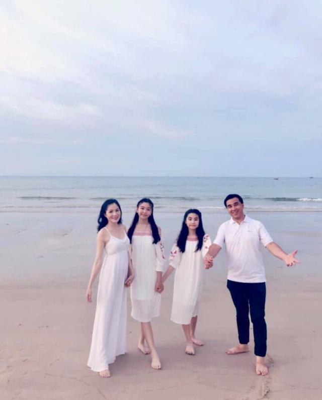 """Á hậu Trịnh Kim Chi: """"9 năm yêu Quyền Linh, có nhiều biến cố xảy ra..."""" - Ảnh minh hoạ 5"""