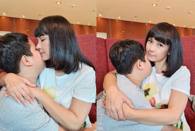 Diễn viên Việt Trinh hạnh phúc bên con trai trong kỳ nghỉ lễ - 1