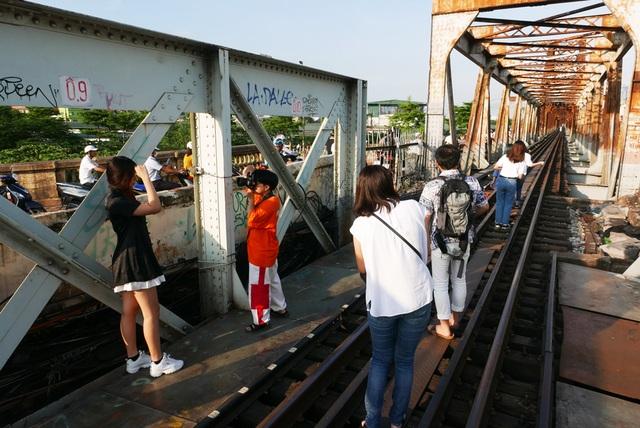 Ga Long Biên thành điểm check-in hấp dẫn sau khi có diện mạo mới - 9