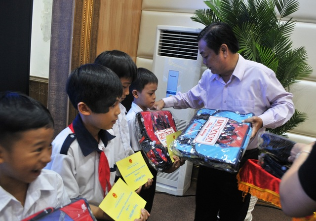 Chủ tịch Quốc hội Nguyễn Thị Kim Ngân đánh giá cao mô hình Hội quán ở Đồng Tháp - 7