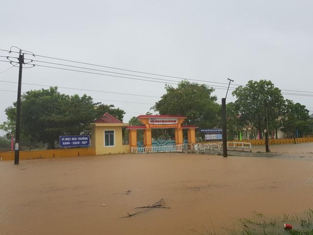 Quảng Trị: Hơn 170 trường học hoãn khai giảng do mưa lũ - 1