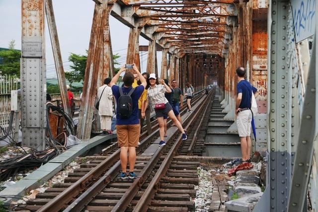 Ga Long Biên thành điểm check-in hấp dẫn sau khi có diện mạo mới - 12