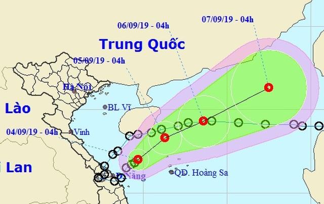 Áp thấp nhiệt đới đã quay ra biển, nhiều tỉnh miền Trung tiếp tục mưa to - 1