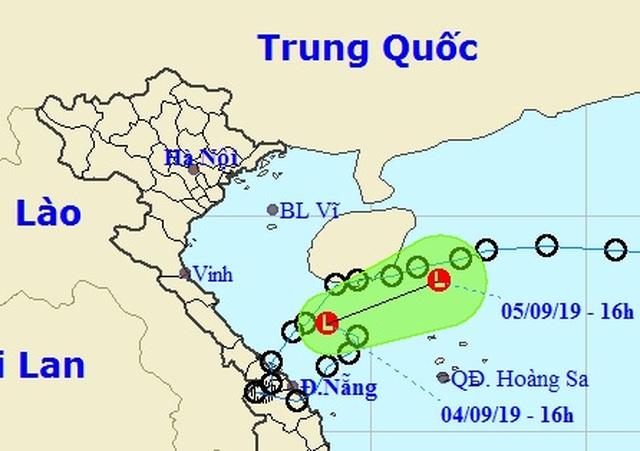 Áp thấp nhiệt đới suy yếu thành vùng áp thấp, miền Trung tiếp tục mưa to - 1