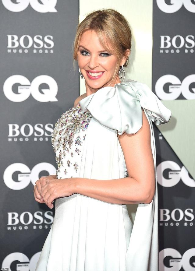 51 tuổi, Kylie Minogue vẫn đẹp lộng lẫy - 2