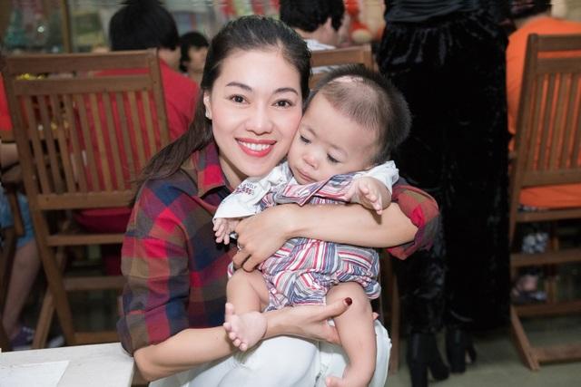 Hoa hậu Quốc tế Mariem Velazco mang Trung thu đến với trẻ em tàn tật - 7