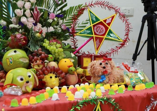Đại sứ Mỹ múa lân, làm bánh Trung thu cùng trẻ khuyết tật ở Hà Nội - 10