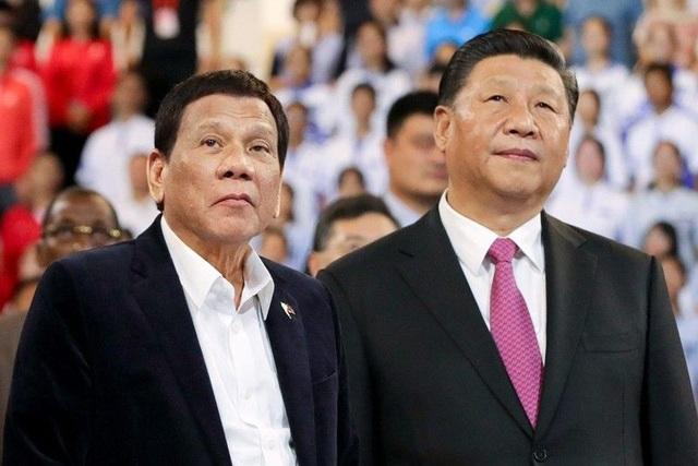 Ông Duterte bị chỉ trích hời hợt khi nêu phán quyết Biển Đông với ông Tập Cận Bình - 1