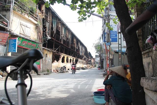 Vụ cháy Công ty Rạng Đông: Hiện trường vẫn ngổn ngang vật liệu nguy hiểm - 13
