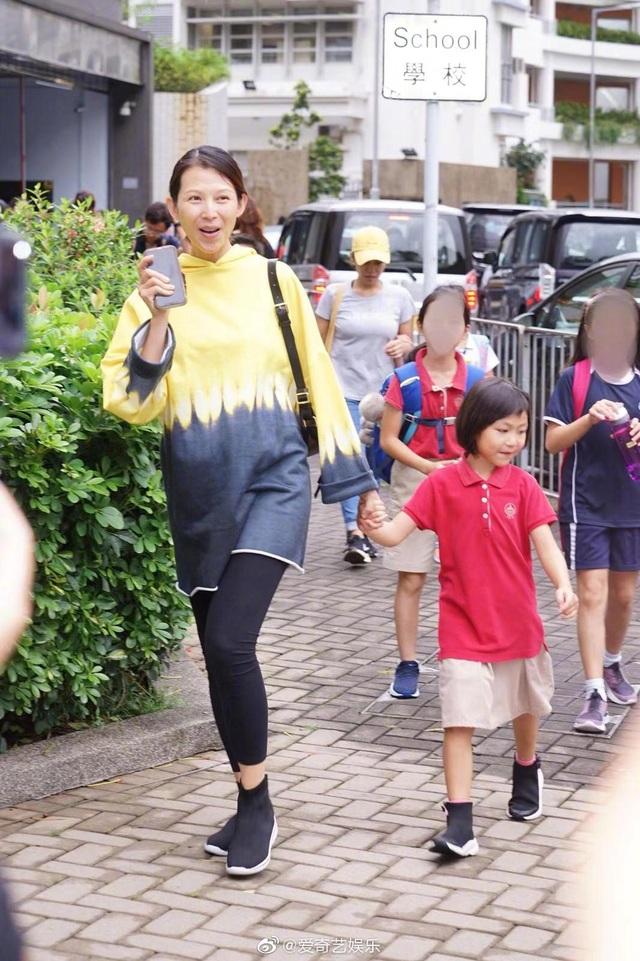 Mái ấm nhỏ hạnh phúc của hoa đán TVB Thái Thiếu Phân - 2