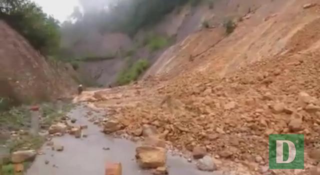 Nước lũ lên nhanh gây ngập, chia cắt nhiều nơi tại Quảng Bình - 13