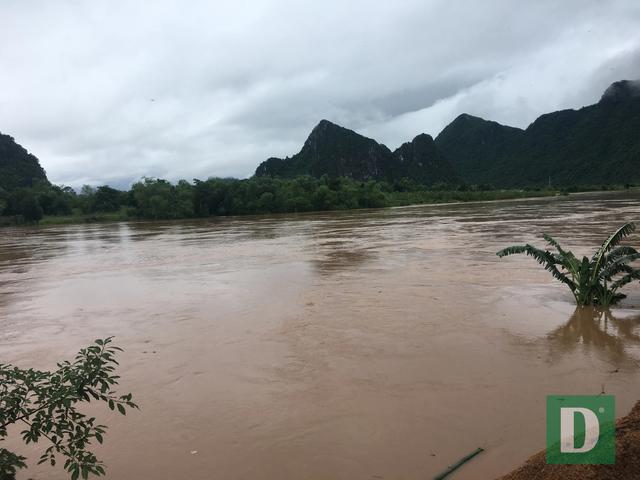 Nước lũ lên nhanh gây ngập, chia cắt nhiều nơi tại Quảng Bình - 2