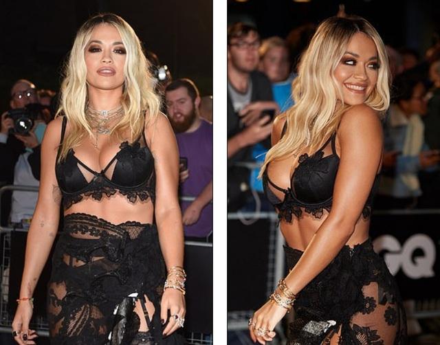 Rita Ora khoe ngực ngoại cỡ với váy đen táo bạo - 2