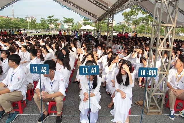 Thủ tướng Nguyễn Xuân Phúc: Dạy chữ đã quan trọng, dạy đức càng quan trọng hơn - 12
